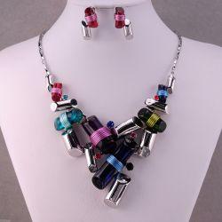 Collier BIB Ensemble Cylindres Féminins Multicolores enchevétrés de créateur