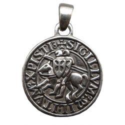 Très Belle Médaille en Argent du Symbole de l'Ordre des Templiers : en beaux reliefs avec cordon cuir.