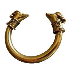 """Merveilleux Bracelet Amalthée Nourrice de Zeus Roi des Dieux de l'Olympe. L'une de se cornes devint """"la corne d'abondance""""."""