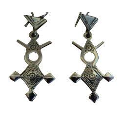 """Croix du Sud Touareg d'Agadez """"Bagzan"""" en argent massif (""""teneghelt"""") avec collier à billes en Onyx TOU11(3)"""